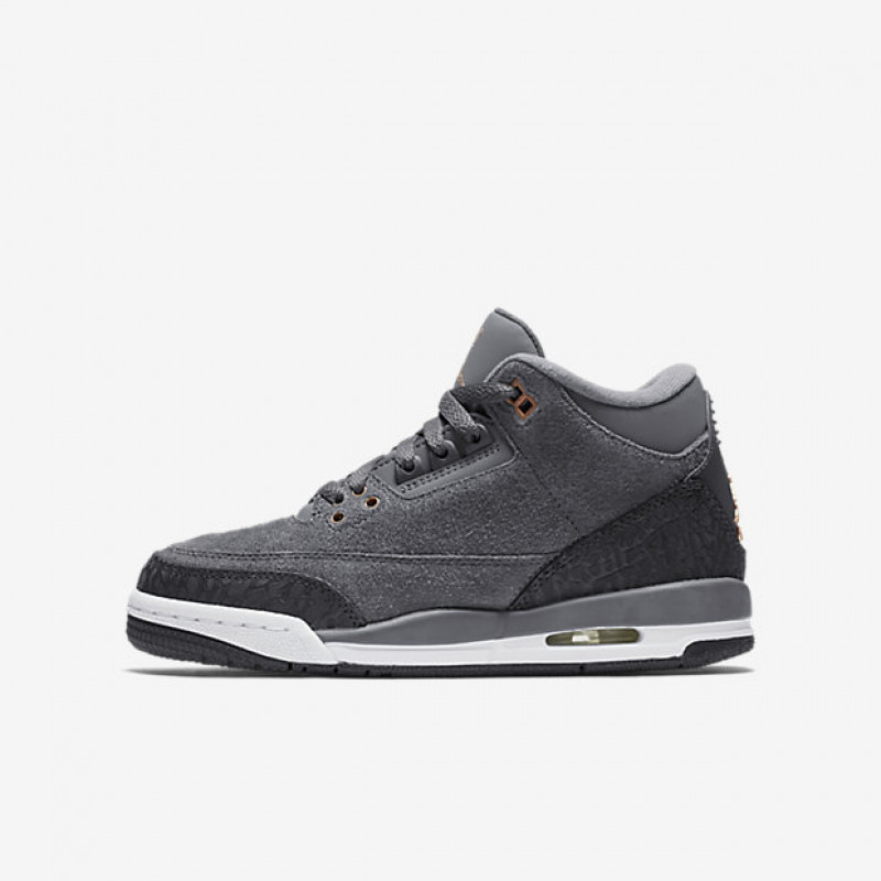 AIR JORDAN 3 RETRO – Big Kids Shoe