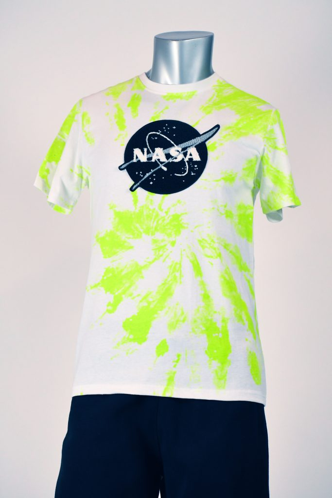 CHEN PATCH AND TIE DYE PRINT TEE