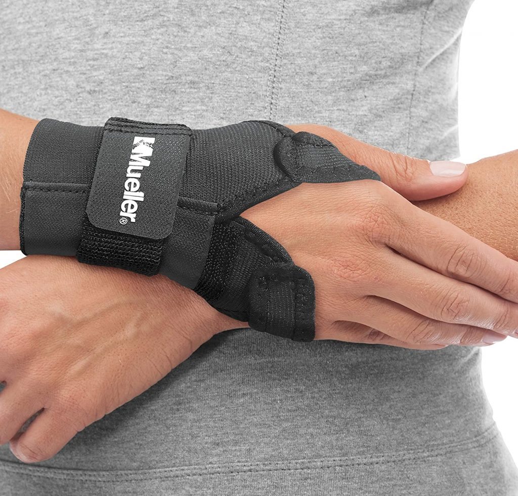 Mueller Adjustable Wrist Brace W/Splint (300)