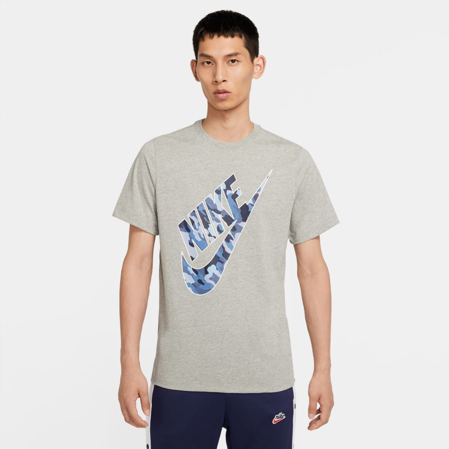 Nike Sportswear Club Men's Camo T-Shirt